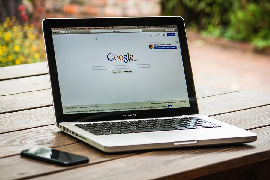 Facua denuncia a Google por la filtración de datos de los usuarios de Google+