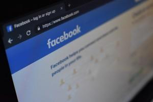 facebook-conversia-HUBofEFQ6CA-unsplash